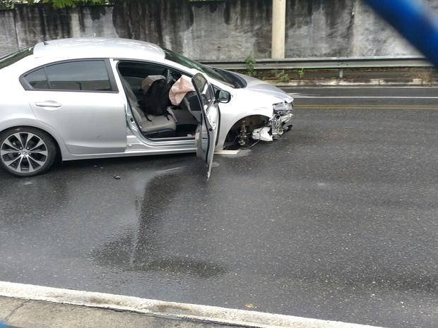 Acidente Carro São José dos Campos (Foto: Arquivo Pessoal/Vanguarda Repórter)