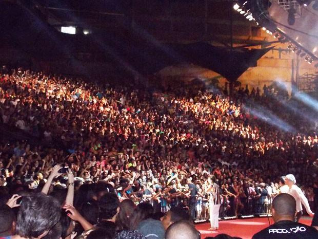 Público lotou o primeiro de gravação do DVD de Saulo (Foto: Danutta Rodrigues/G1)