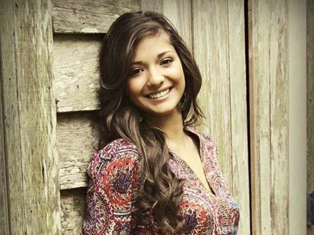 Mayci Breaux, de 21 anos, morreu em ataque de atirador em cinema nos Estados Unidos (Foto: Reprodução/ Facebook/ Mayci Breaux )