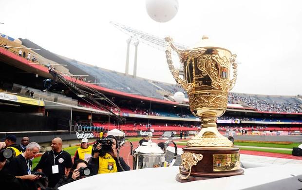 troféu campeonato paulista (Foto: Marcos Ribolli / Globoesporte.com)
