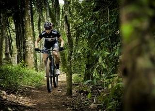 Raiza Goulão - Ciclismo Mountain Bike (Foto: Divulgação/Specialized)