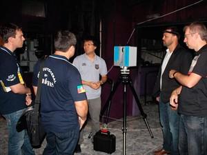 Peritos usam equipamento alemão para montar maquete virtual da boate Kiss (Foto: Divulgação/Polícia Civil)