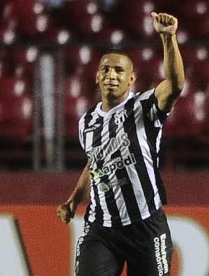 Rafael Costa, do Ceará, comemora gol contra o São Paulo (Foto: Marcos Ribolli)