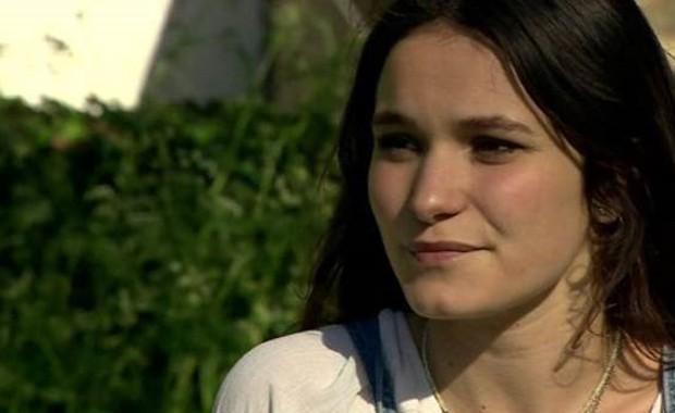 Wells, de 20 anos, foi atacada no dia 11 de abril a caminho de sua casa (Foto: BBC)
