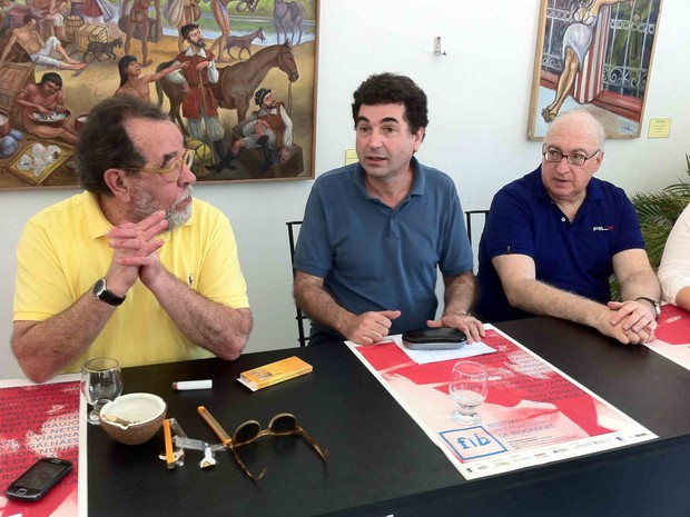 Fernando Morais, Paulo César de Araújo e o norte-americano Lawrence Bergreen  (Foto: Diana Vasconcelos/G1 Ceará)
