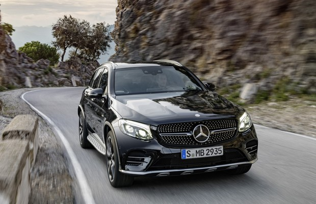 01ae3ea94 Cotado para o Brasil, Mercedes apresenta o AMG GLC 43 4MATIC - AUTO ...