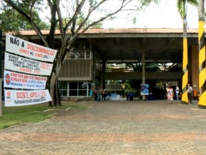 Greve do HU deixa população sem atendimento odontológico  (Foto: Reprodução/TV Gazeta)