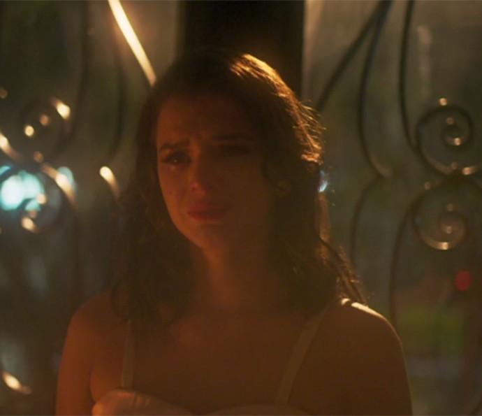 Beatriz é assassinada por Davi em 'Nada Será Como Antes' (Foto: TV Globo)