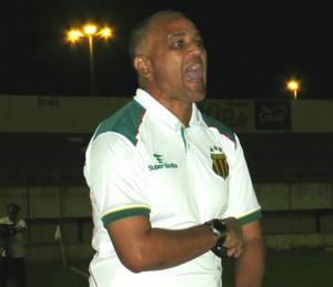 Oliveira Canindé, Sampaio Corrêa (Foto: João Áquila / GloboEsporte.com)