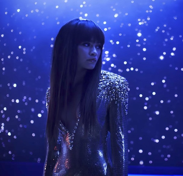 Zendaya no clipe de Bruno Mars (Foto: Reprodução)