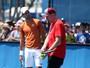 Djokovic enfrenta Nishikori na final em Miami para superar Federer e Becker