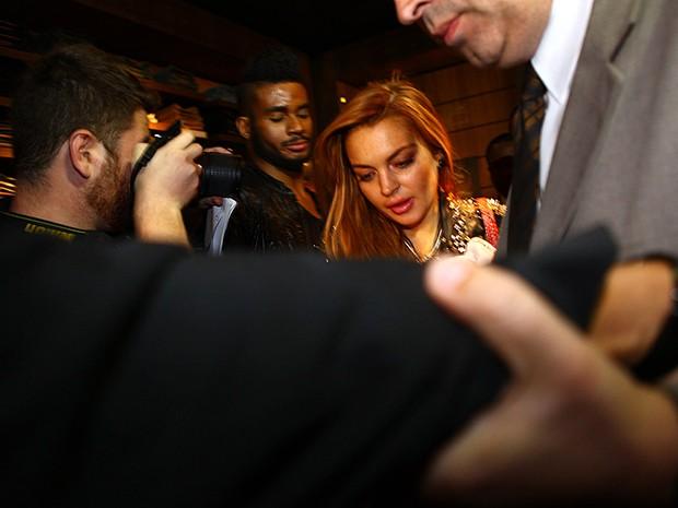 Lindsay Lohan causa confusão em loja em São Paulo (Foto: Iwi Onodera/ EGO)