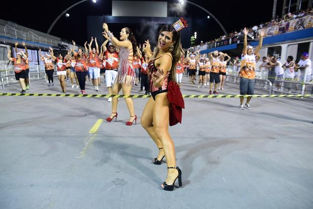 Tãnia Oliveira no ensaio da Dragões da Real no Anhembi (Foto: Leo Franco/Agnews)