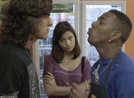 Glauco e Cleyton fazem batalha de rap para ver quem fica com Krica