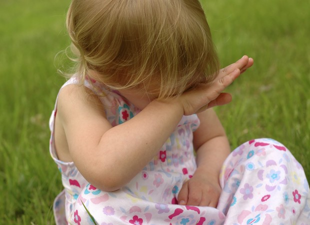 Menina; triste; bebê (Foto: Thinkstock)