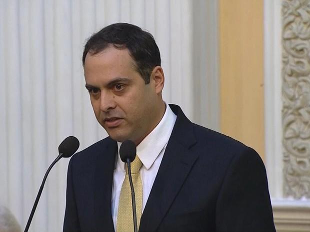Paulo Câmara em seu discurso de posse (Foto: Reprodução/TV Globo)