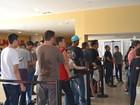 Fãs de Star Wars lotam cinema em Mogi para comprar ingresso