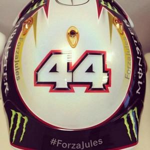 Casco de Lewis Hamilton em Sochi também terá mensagem de apoio: #ForzaJules (Foto: Reprodução / Twitter )