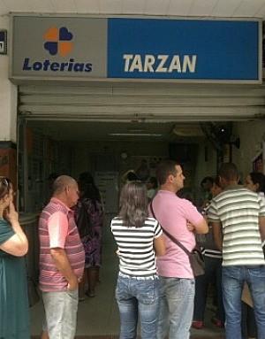 Apostador da Tarzan Loteria, em Colatina, acertou os números da Mega-Sena. (Foto: Nilson Campostrini/Arquivo Pessoal)