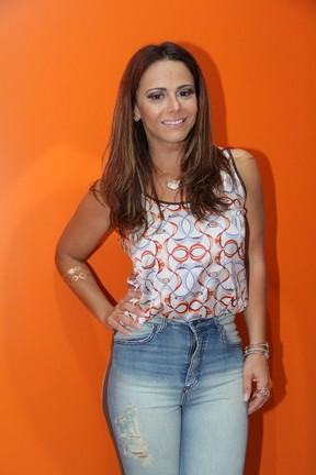 Viviane Araújo em festa de aniversário da cantora Alcione na Zona Oeste do Rio (Foto: Alex Palarea/ Ag. News)