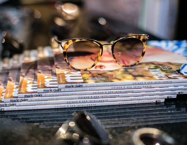 Detalhe de um dos novos modelos de óculos para o verão (Foto: Ronaldy Fraga)