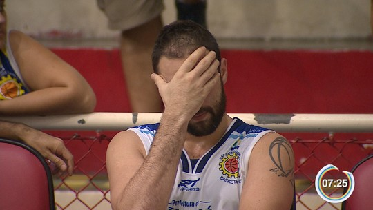 Mogi quase vê vitória escapar, mas vira sobre São José e elimina rival