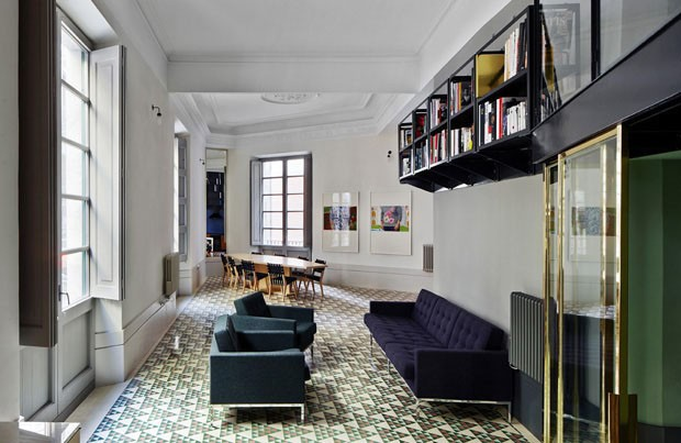 Décor do dia: sala com piso geométrico (Foto: divulgação)