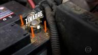 Instrumentos que ajudam a limpeza mais detalhada dos cantos do carro