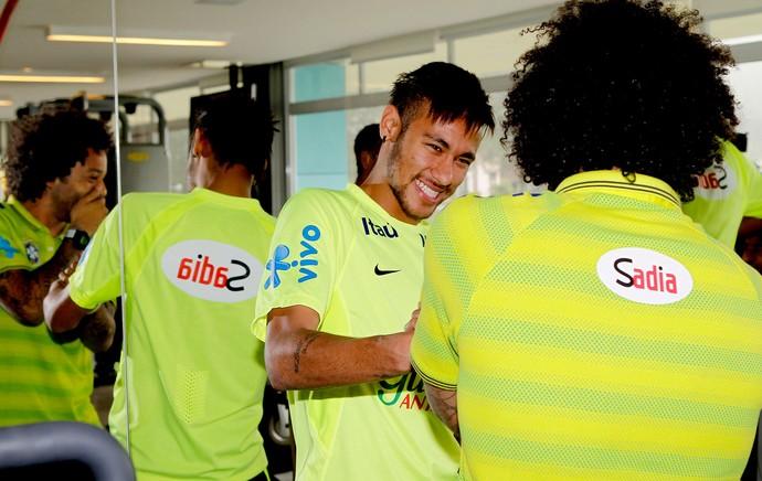Marcelo recebido na Seleção (Foto: Rafael Ribeiro / CBF)