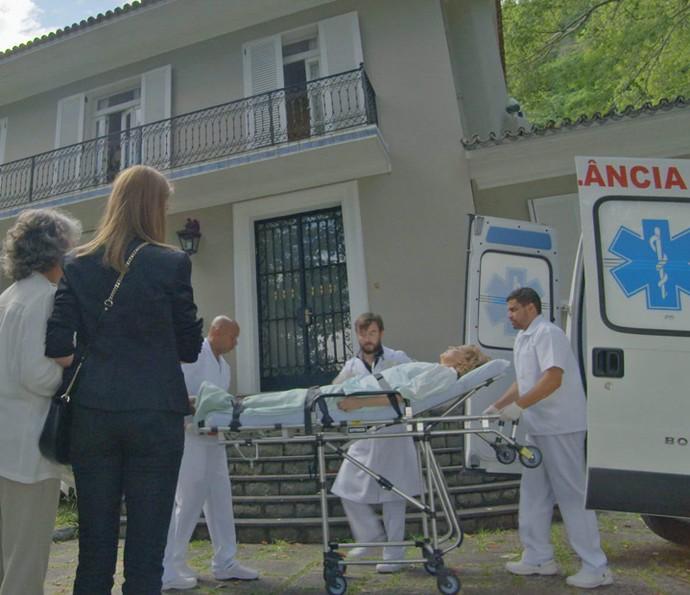 A empresária tem alta e volta para casa (Foto: TV Globo)