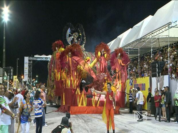 'Favela do Samba' conquista 16º título no carnaval do Maranhão (Foto: Reprodução/ TV Mirante)