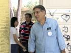 Ministro Fernando Pimentel vota em Belo Horizonte