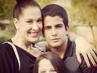 Alheio às polêmicas com Nicole, Enzo homenageia Claudia Raia