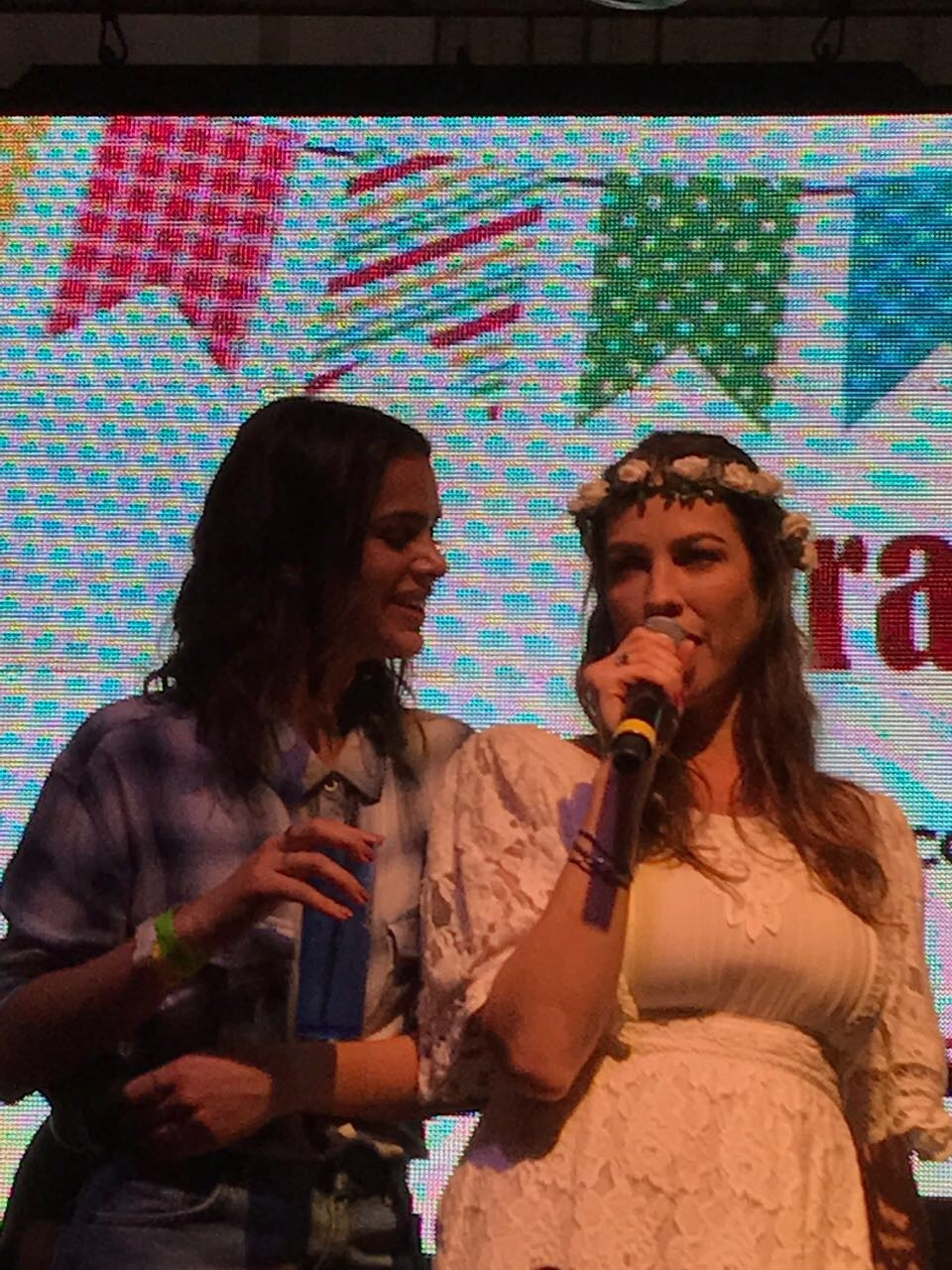 Bruna Marquezine e Luana Piovani (Foto: Marie Claire)