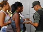Em meio a crise econômica, escassez e filas viram 'negócio' na Venezuela