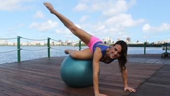 Karla Klemente mostra exercícios  de pilates e dá dicas para praticar em casa (Igor Christ)