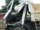 Cabine de caminhão fica destruída após acidente em Itupeva