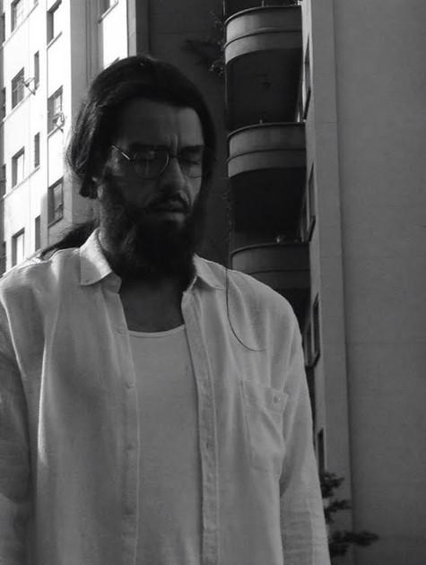Joaquim Lopes no filme 'Estro' (Foto: Divulgação)