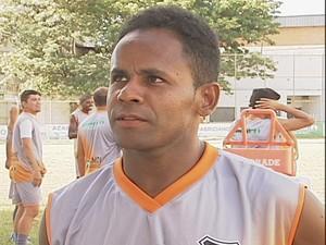 Luizinho disse que já é conhecido pela comissão técnica do Saci e que junto com o grupo vai buscar o acesso (Foto: Reprodução / Inter Tv dos Vales )