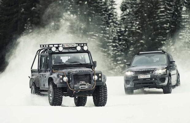 Range Rover Sport SVR e Land Rover Defender (Foto: Divulgação)