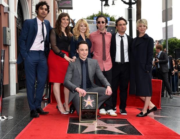 Resultado de imagem para Big Bang Theory: Jim Parsons e Mayim Bialik se despedem da série