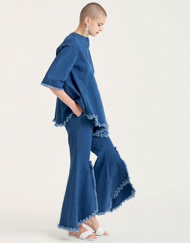 Babados arquitetônicos aparecem inclusive nos jeans da Goen J (Foto: Divulgação)