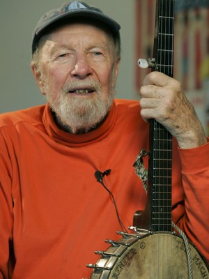 Pete Seeger em foto de maio de 2006 (Foto: AP Photo/Frank Franklin II, File)