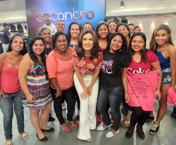 Fãs do Sorriso Maroto marcaram presença no Encontro (Foto: Priscilla Massena/Gshow)