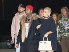 Kylie Jenner adota tranças para ir a show com o namorado, Tyga
