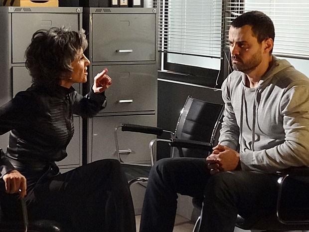 Melissa volta o seu ódio contra Fernando (Foto: Amor Eterno Amor/TV Globo)
