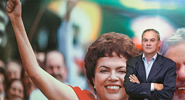 Giles Azevedo, num escritório do PT em Brasília, durante a campanha de Dilma à Presidência, em 2010. Os dois são amigos há duas décadas, desde os tempos em que militavam no PDT (Foto: Alan Marques/Folhapress)