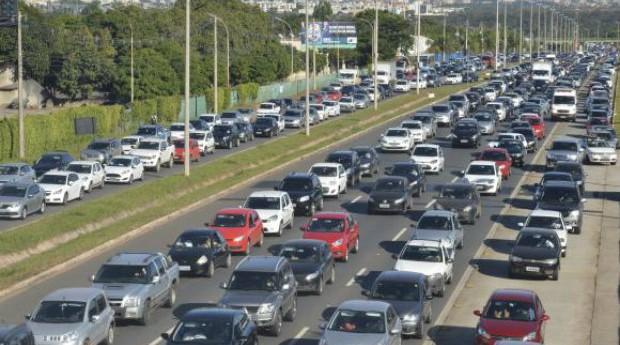 Carnaval paulista terá alto número de carros em trânsito  (Foto: Reprodução/Agência Brasil)