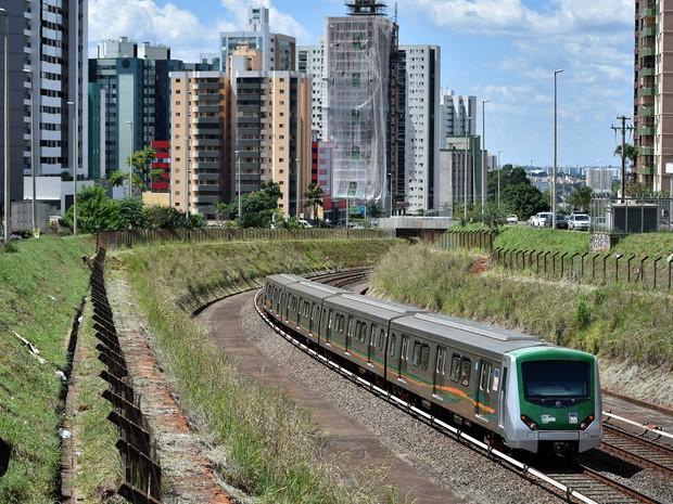Metrô do Distrito Federal no trecho de Águas Claras (Foto: André Borges/Agência Brasília)