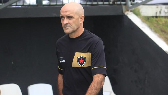 Itamar Schulle técnico do Botafogo-PB (Foto: Fabiano de Oliveira)